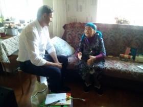 9 мая поздравили ветерана Бикбаеву Сажиду Вагаповну